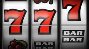 Игровые автоматы три семерки: что это значит?