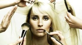 Все больше девушек стали посещать центры косметологии