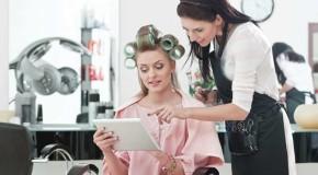Женщины стали чаще посещать салоны красоты